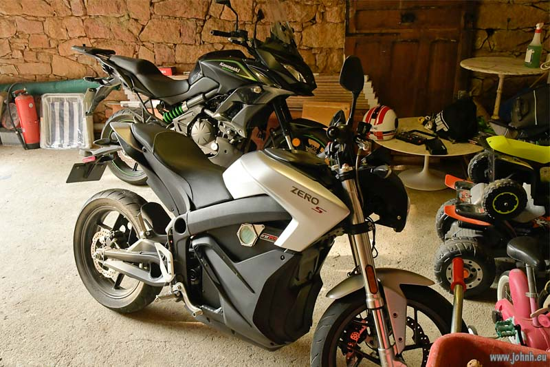 Stablemates: Versys 650 twin with Zero S (electric)