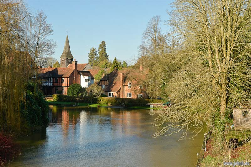 River Thames at Pangbourne